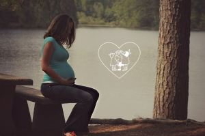 pregnant woman with heart